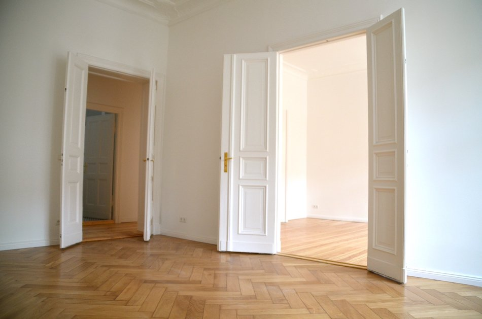 Unfurnished apartment to rent out in Berlin Charlottenburg ...