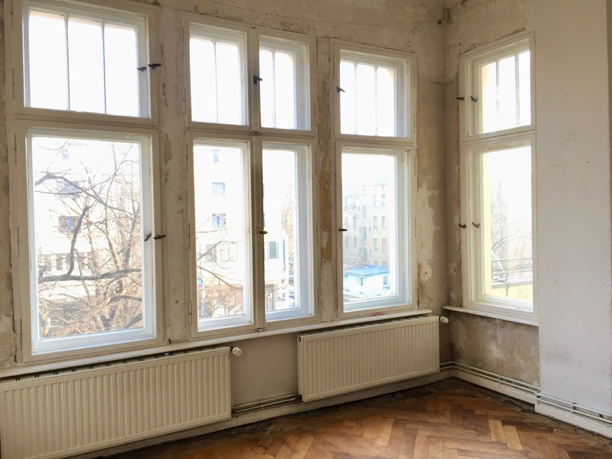 Room with extension
