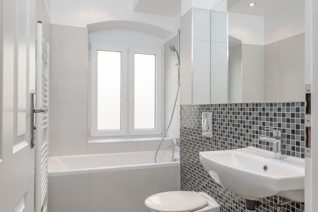 Great Investment Opportunity Rooms Apartment In Neukölln - Bathroom showcase