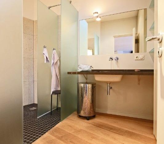 Bathroom (ap.)