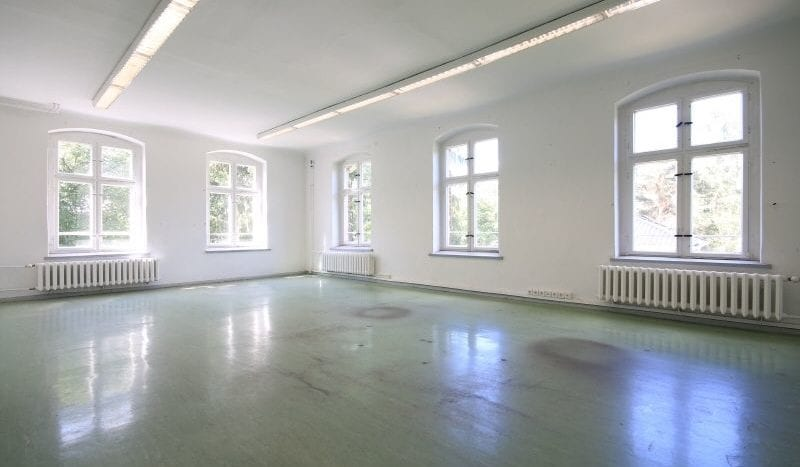 Large room 2nd floor