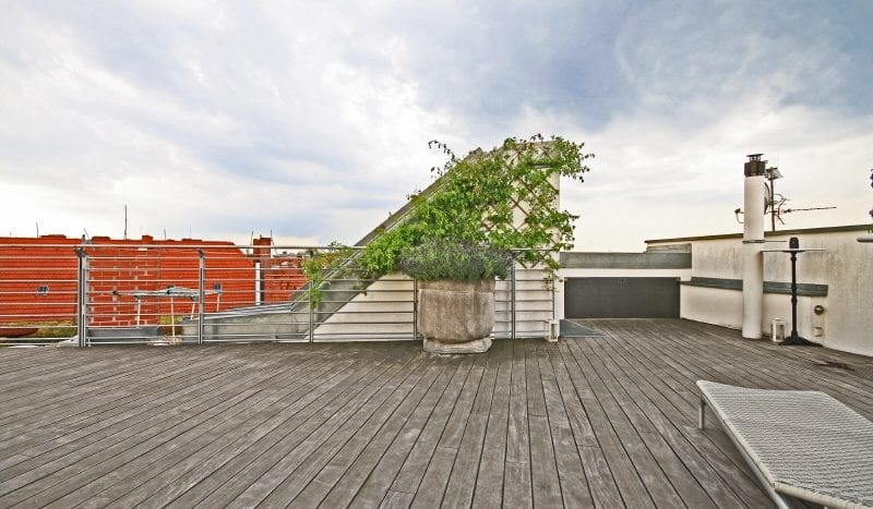 Rooftop terrace (comm.)
