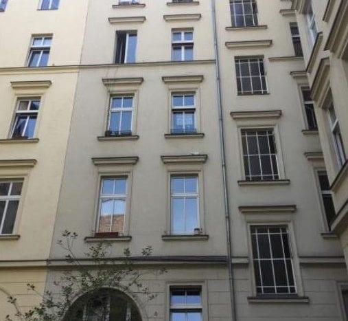 Facade on the courtyard