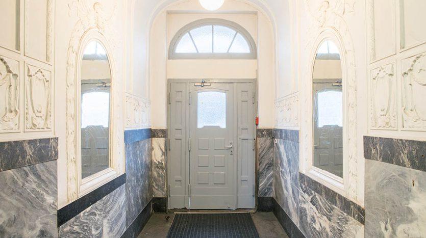 Hallway building